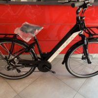 """Bicicletta E-Bike Olympia """"Roadster Comfort 700 """"Alluminio Donna Colore Nera-Bianca"""
