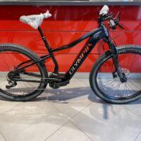 """Bicicletta Mtb  E-Bike Front  Olympia """"Performer Sport 900 Olieds """" Alluminio  Taglia L Colore Blu-Nero Opaco"""