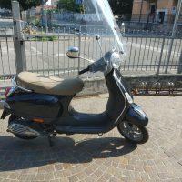 Piaggio Vespa Lx 50 4 Tempi  Occasione Garantita, Come Nuova Anno 2007   Km 24000  Perfetta  colore Nero Lucido